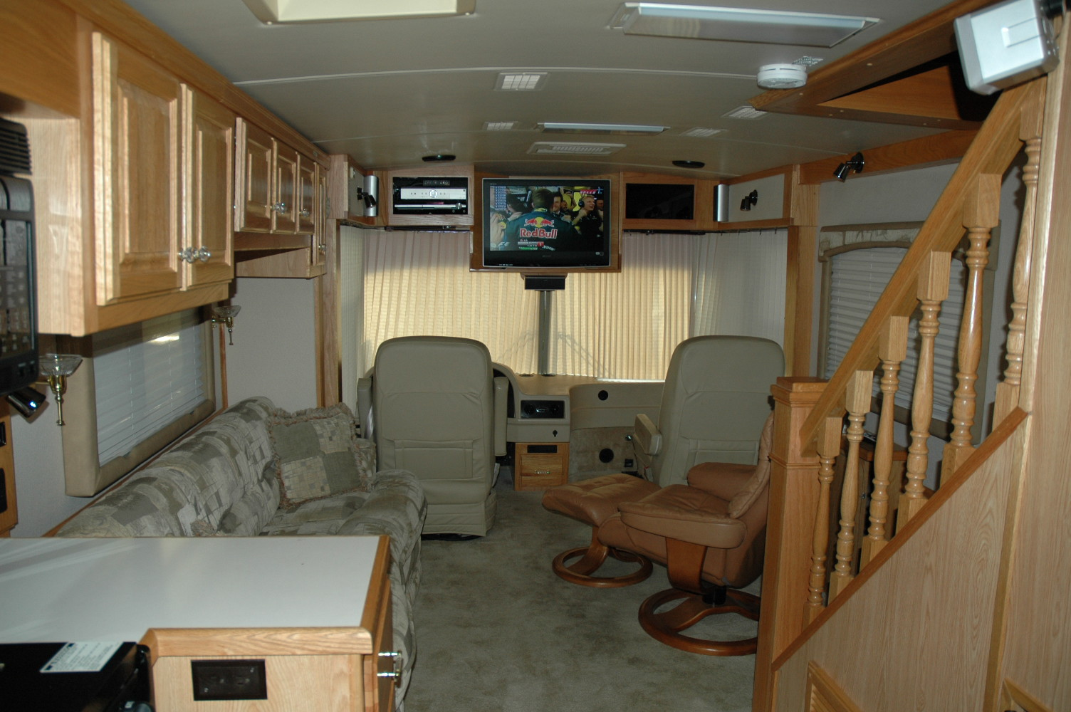 Airstream Skydeck 39' Talladega All Inclusive RV Rental 2006