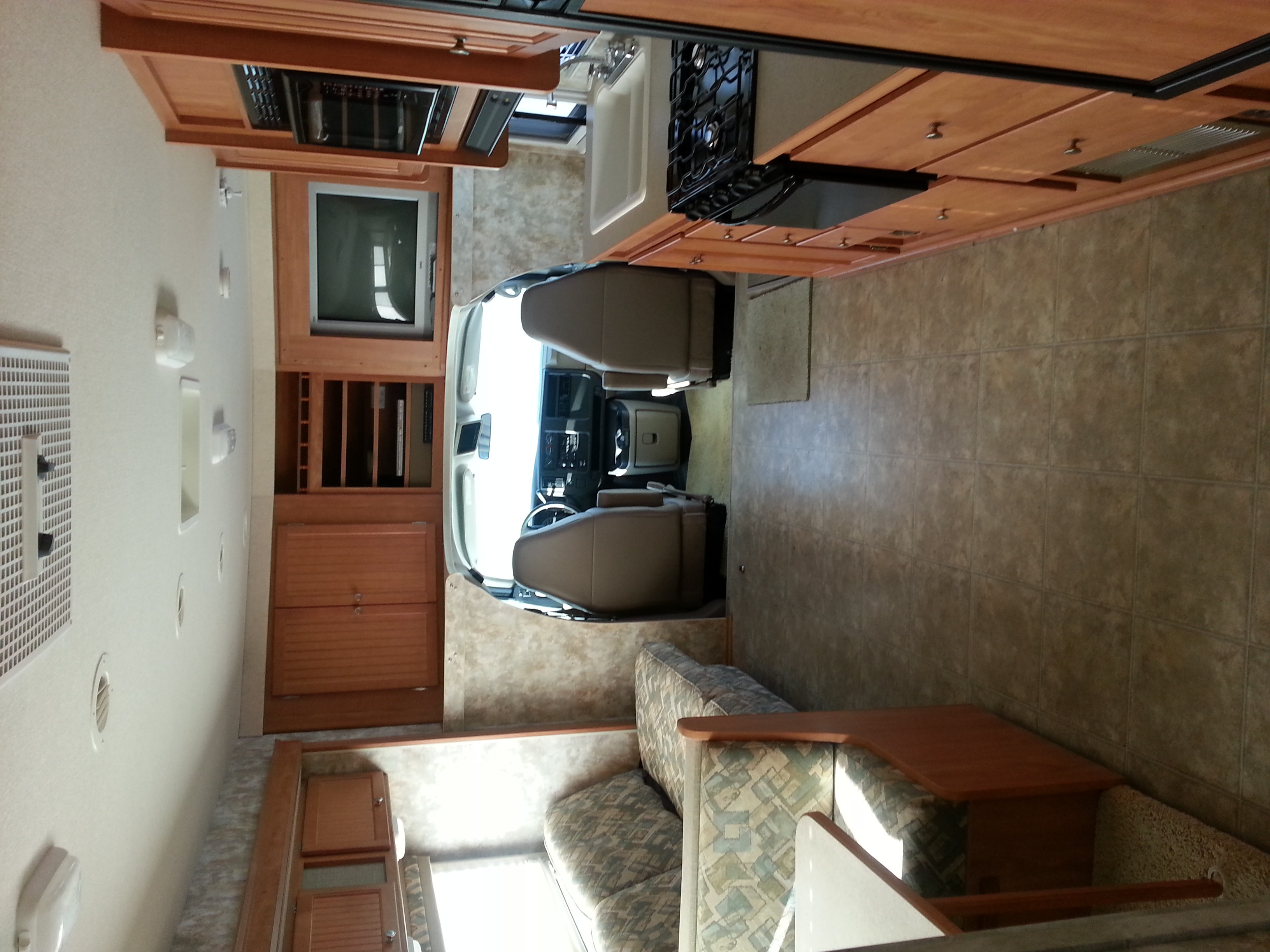 Winnebago Access 31  Winnebago Access 31