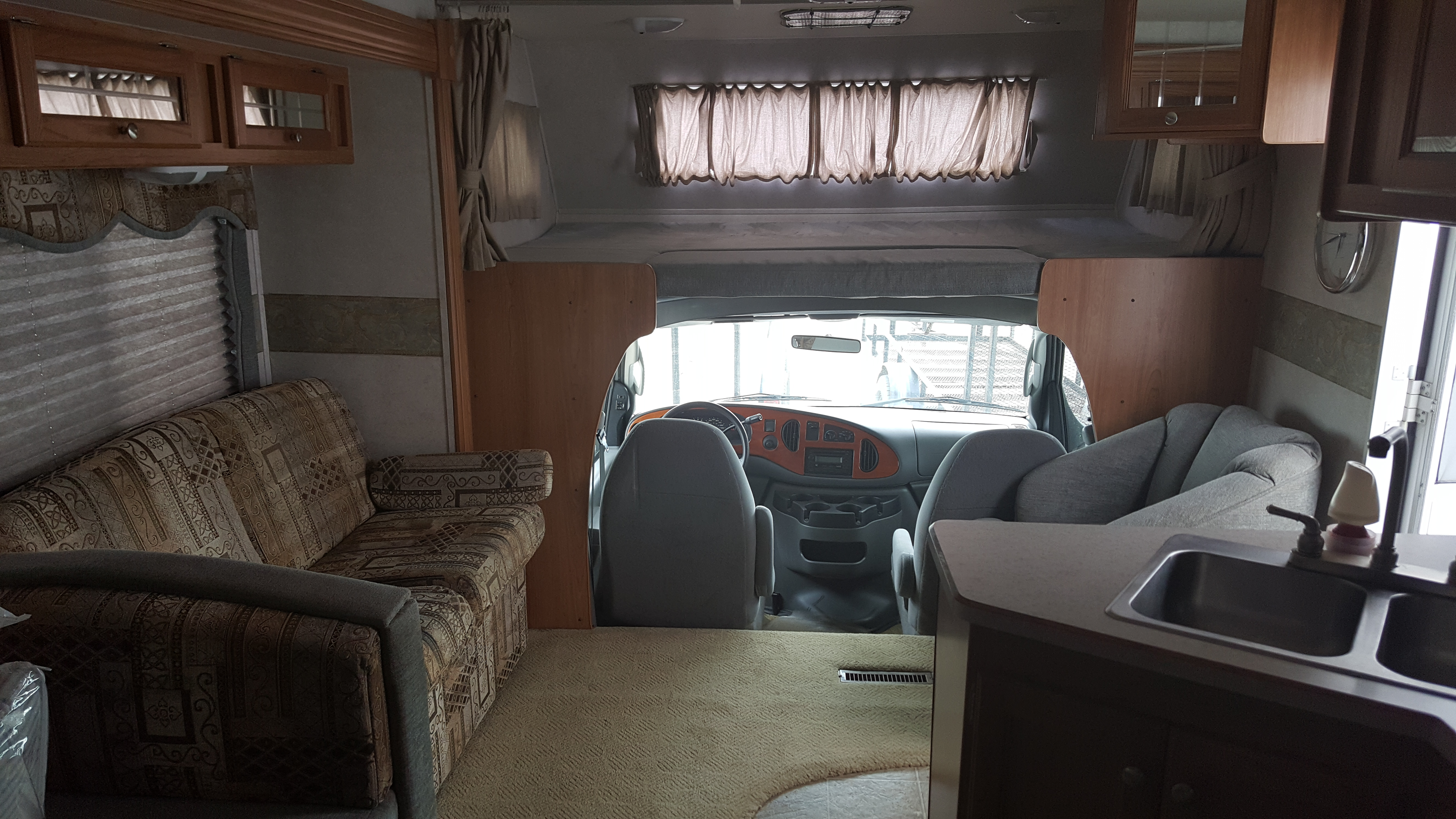 R Vision Trail Lite 2007 Motorhome For Rent In Evansville
