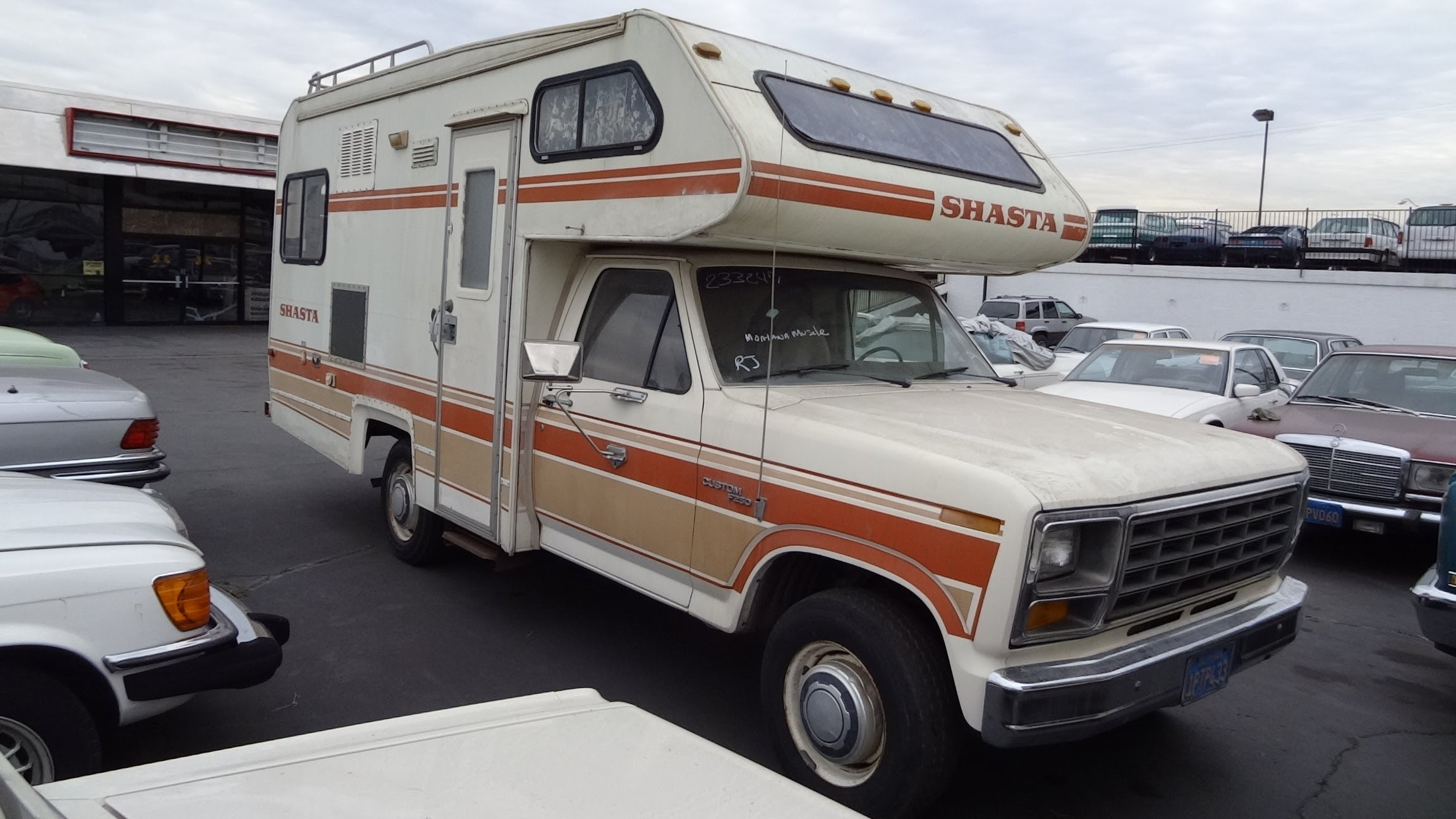ford 350 lindy 28 ft. 1985