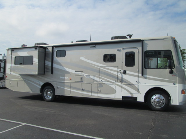 Winnebago Vista 35f 2015