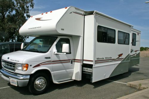 Winnebago Mini 2002
